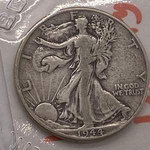 Lot # 30 Walking Liberty Half Dollar 1944