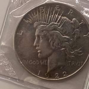 Lot # 33 Peace Dollar 1922-D