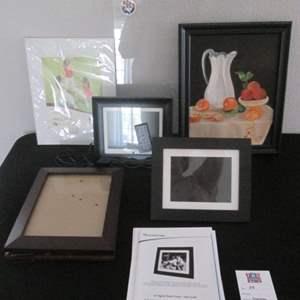 54-Digital Frames & Pictures Assortment