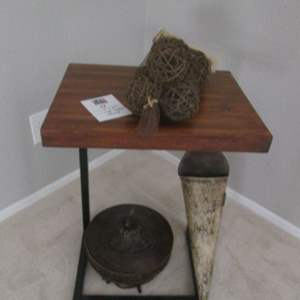 58-Wood End Table & Decor Accessories