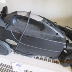 75-Oreck Vacuum