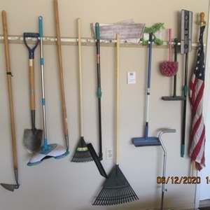 109-Garden & Yard Tools + Flag, 13 Items