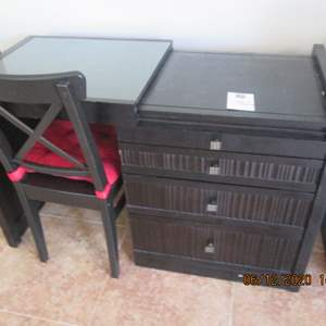 118-4-Drawer Desk with Chair