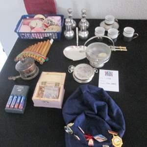 129-Miscellaneous Serving & Entertaining Items