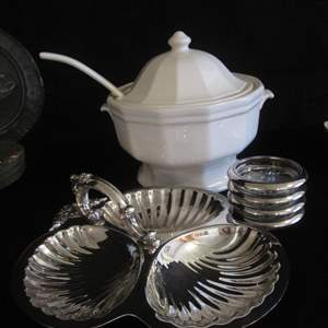 Auction Thumbnail for: Lot # 287 - Soup Tureen, 4-Coasters & Shell Serving Dish