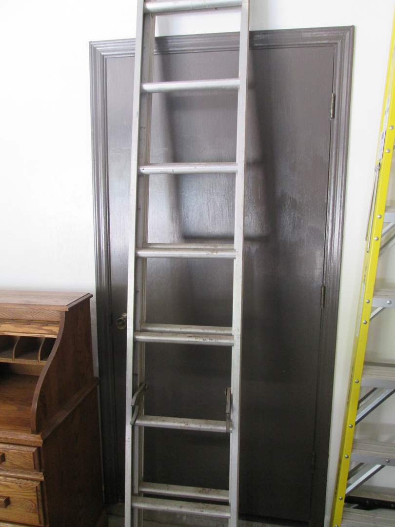 Lot # 123 - 16' Extension Ladder (main image)