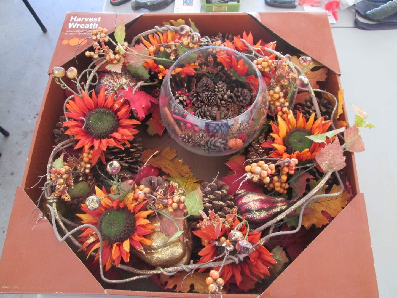 Lot # 127 - Assorted Autumn Decor (main image)