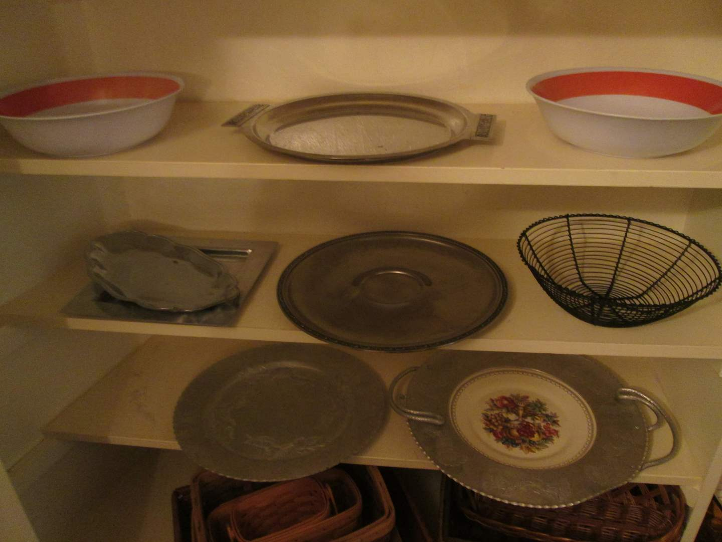 Lot # 242 - Assorted Trays (main image)