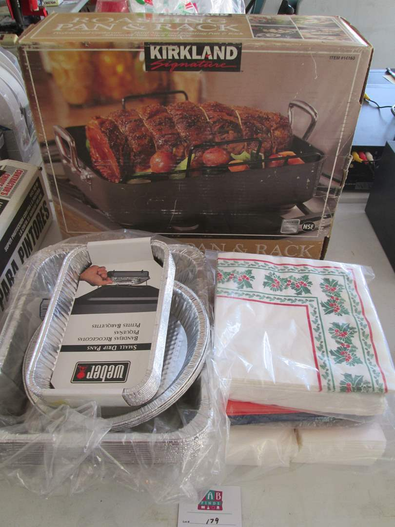 Lot # 179 - Roasting Pan & Rack, Aluminum Trays & Napkins (main image)