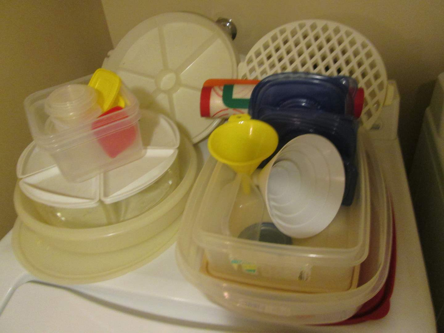 Lot # 265 - Assorted Tupperware Containers (main image)