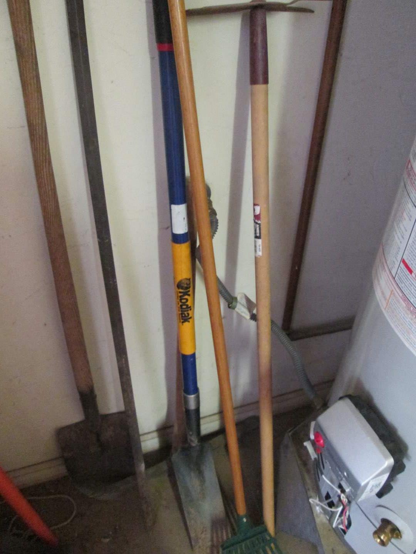 Lot # 158 - Yard & Gardening Tools, 6 Items (main image)