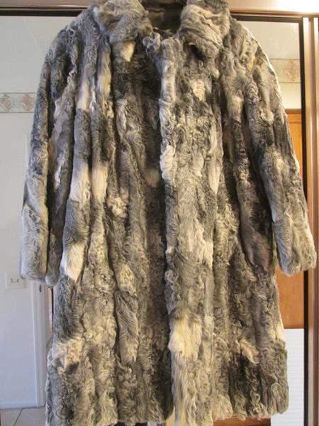 Lot # 5 - Vintage Fur Coat - Persian Lamb??? (main image)