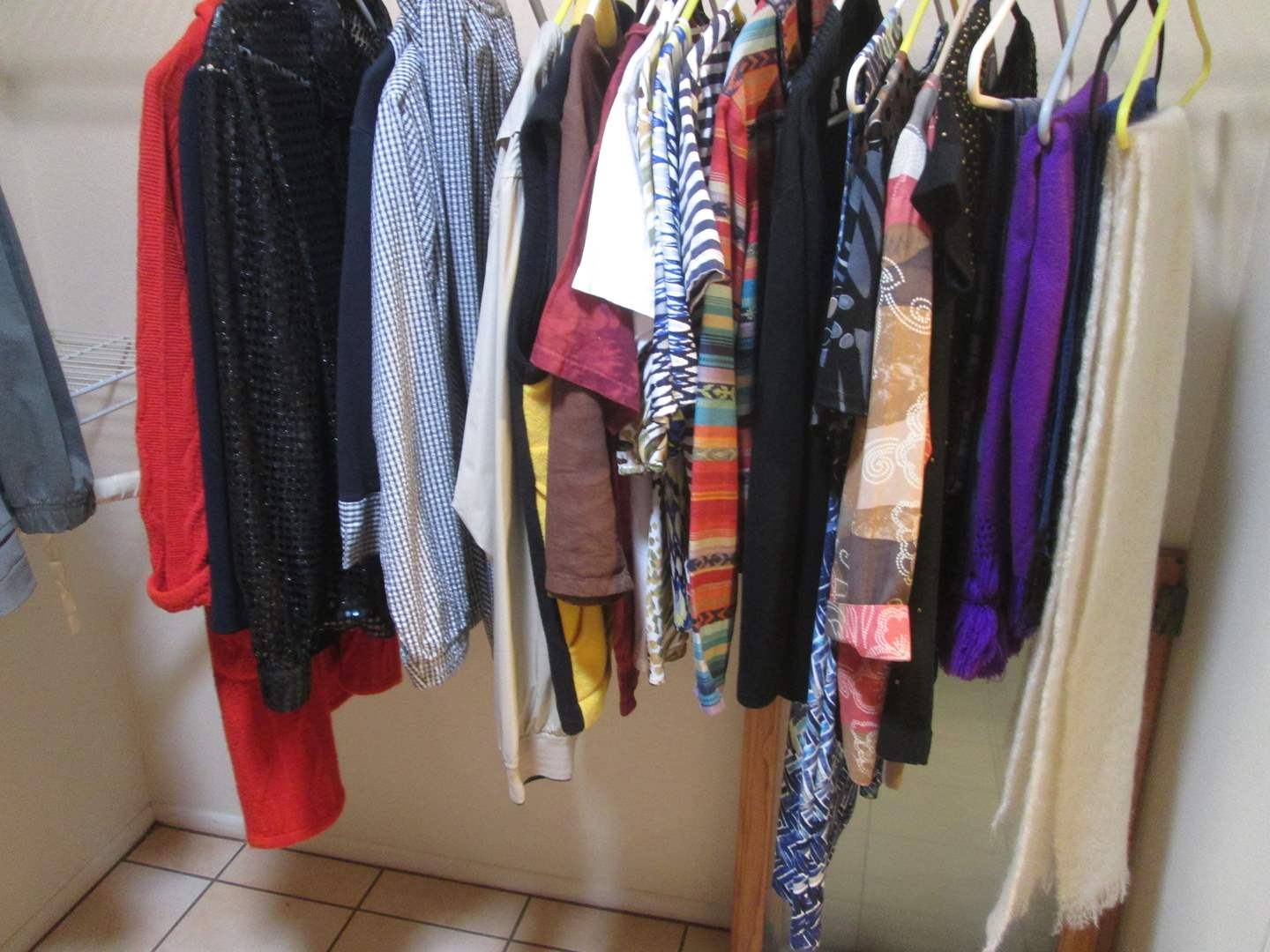 Lot # 7 - Ladies Clothing, Various Sizes (main image)
