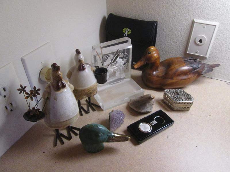 Lot # 103 - Duck Decoy, Ceramics, Geode ++ (main image)