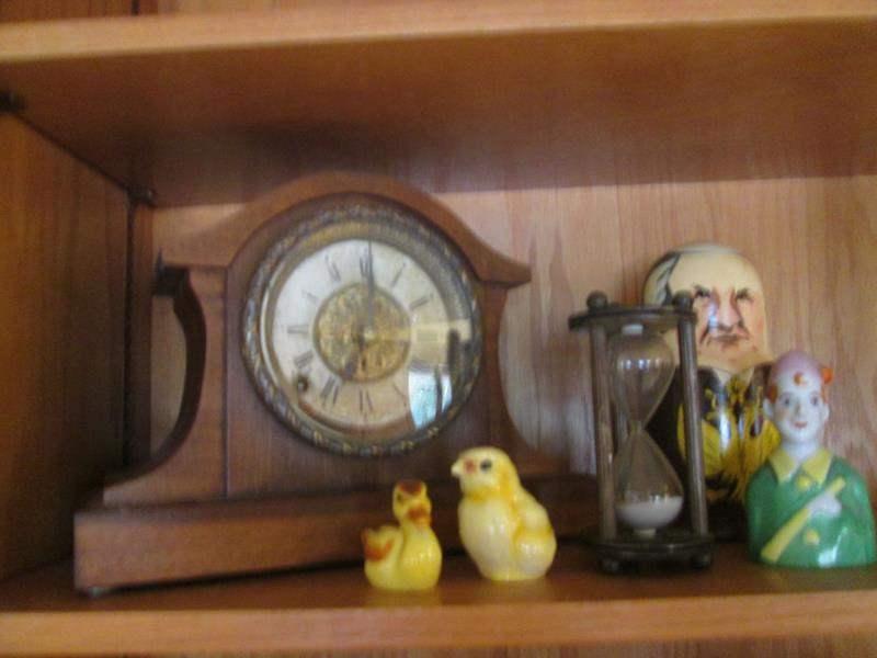 Lot # 106 - Goebel Chicks, Clock, Hourglass +++ (main image)