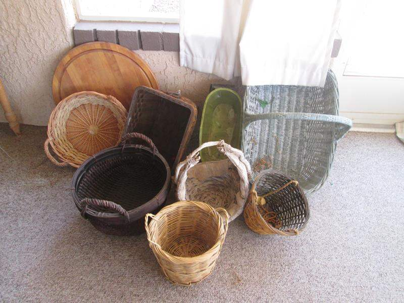 Lot # 189 - Assorted Baskets & Lazy Susan (main image)