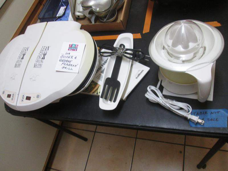 Lot # 209 - George Foreman Grill & Juicer (main image)