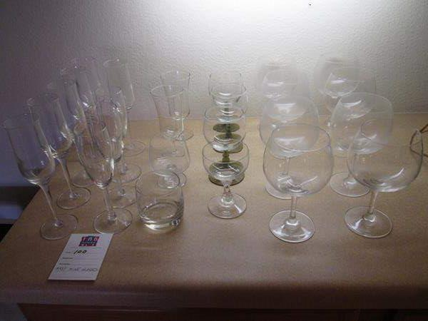 Lot # 100 - Assorted Wine Glasses (main image)