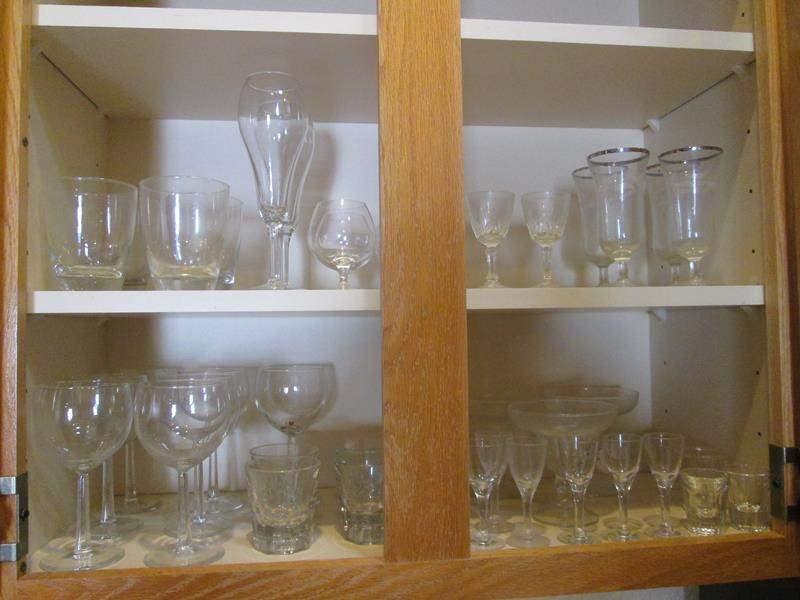 Lot # 28 - Assorted Glassware (main image)
