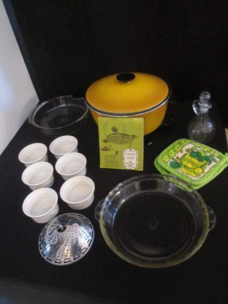 Lot # 30 - Miscellaneous Kitchen Items, 13 pieces (main image)