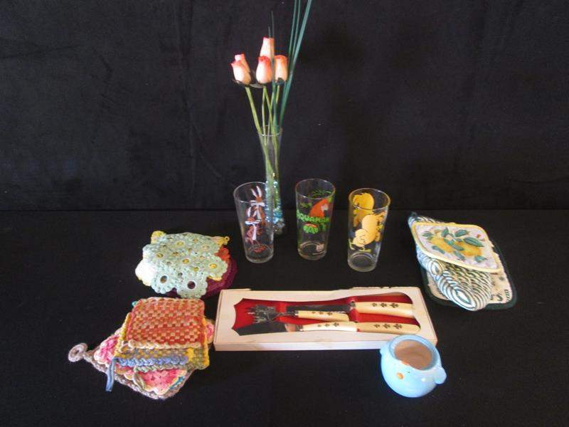 Lot # 57 - Taco Bell Glasses + Miscellaneous  (main image)