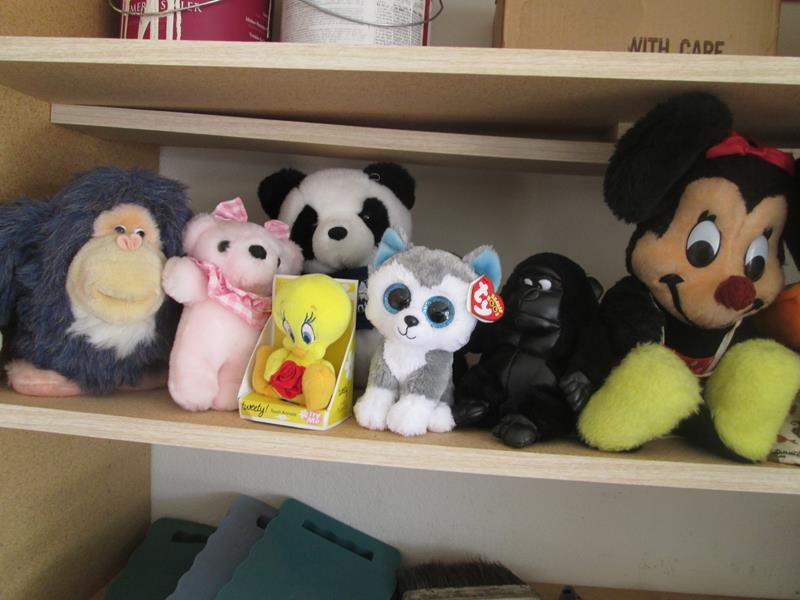 Lot # 160 - 14-Stuffed Animals, waiting for a good home!!! (main image)