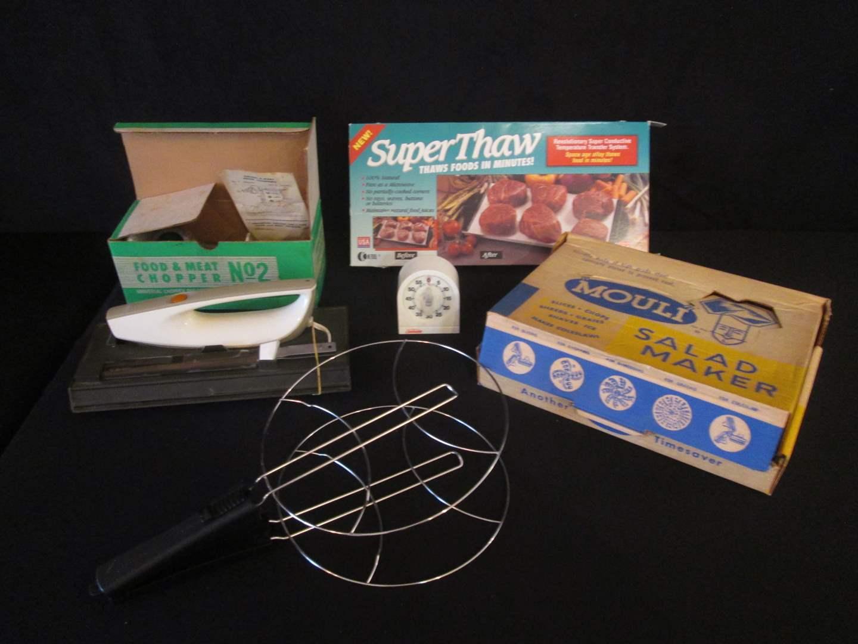 Lot # 118 - Meat Grinder, Salad Maker, Super Thaw & Electric Knife (main image)