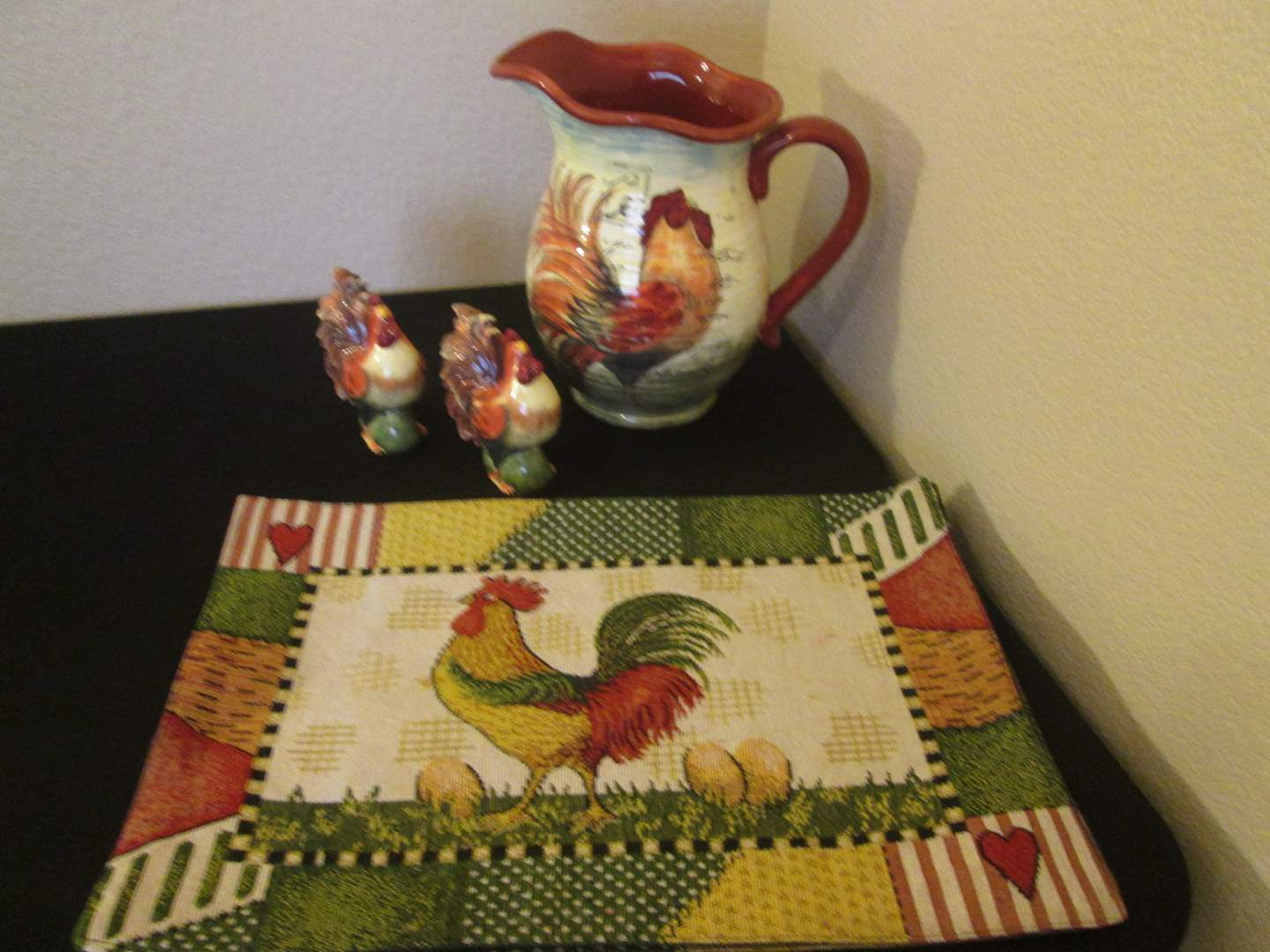 Lot # 245 - Colorful Rooster Assortment (main image)