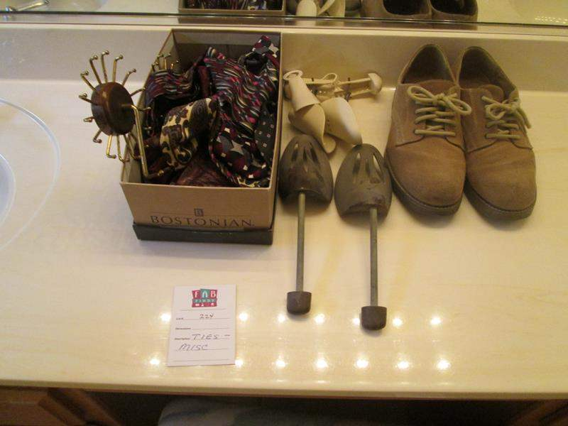 Lot # 224 - Size 10 Shoes, Shoe Trees + Ties (main image)