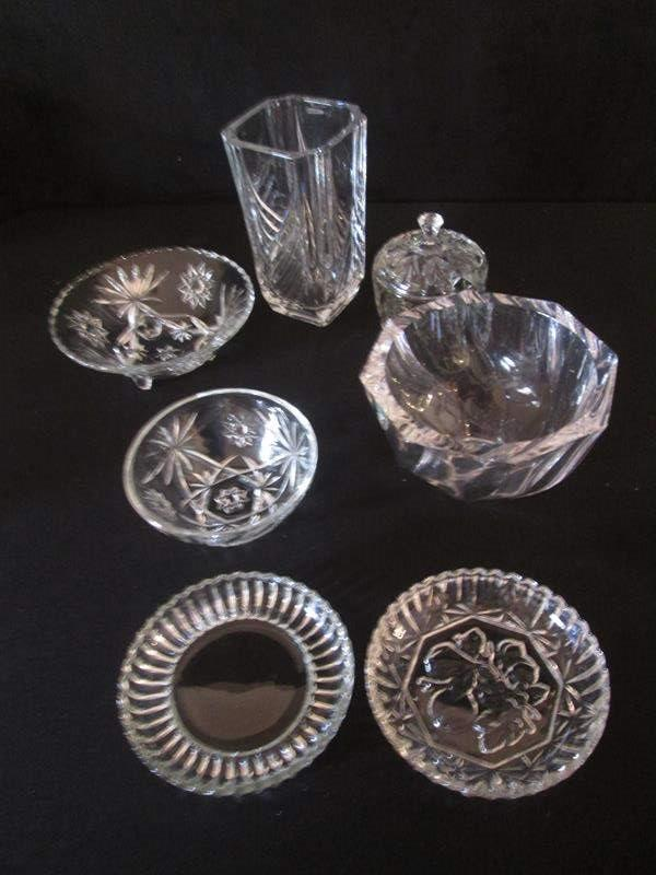 Lot # 107 - Assorted Glassware including an Orrefors Crystal Bowl (main image)