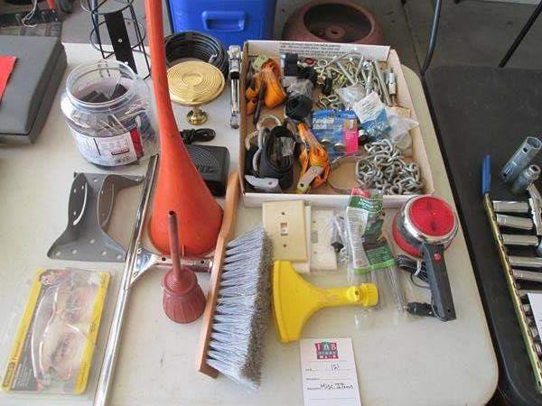 Lot # 121 - Miscellaneous Items (main image)