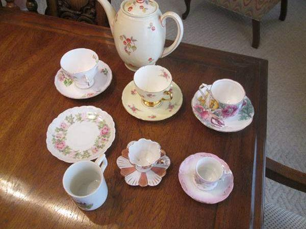Lot # 177 - Collectible Cups/Saucers + Coffee Pot, 13 pieces (main image)