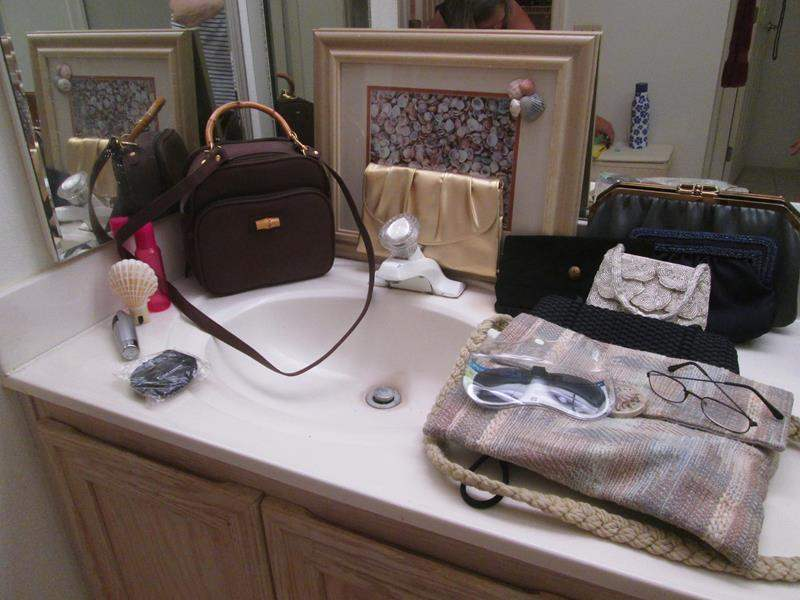 Lot # 38 - Variety of Purses & Framed Picture (main image)