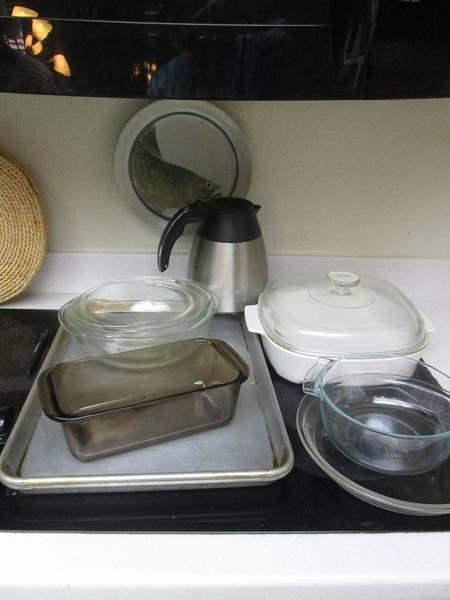 Lot # 46 - Pyrex & Bakeware (main image)
