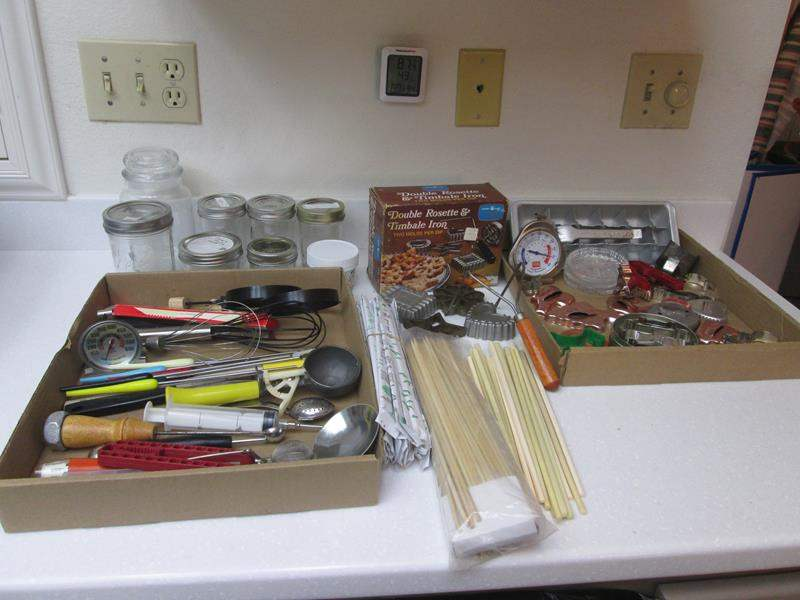 Lot # 56 - Cookie Cutters, Rosette Iron & Kitchen Miscellaneous (main image)