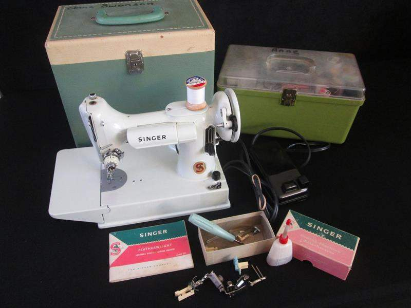 Lot # 100 - Featherweight Singer Sewing Machine, Mint Green #221K, Case & Accessories (main image)