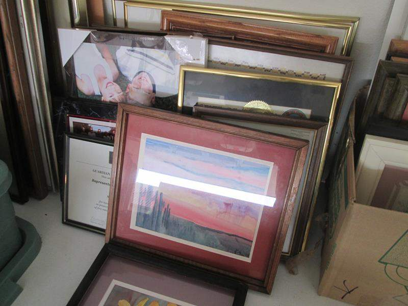 Lot # 152 - 13-Picture Frames, 4 Have Pictures Inside (main image)