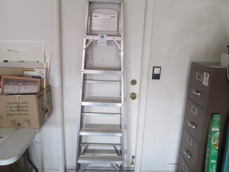Lot # 157 - 6-Foot Ladder (main image)