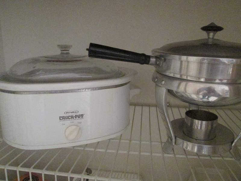 Lot # 172 - Rival Crock Pot & Chafing Dish (main image)