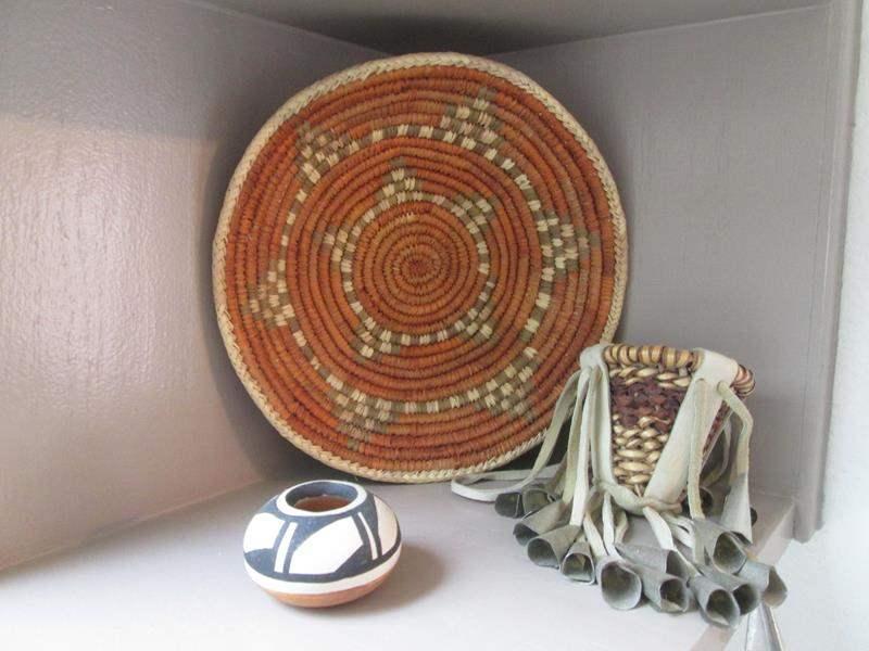 Lot # 58 - Native American Decor (main image)