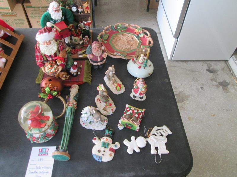 Lot # 186 - Miscellaneous Holiday Decor (main image)