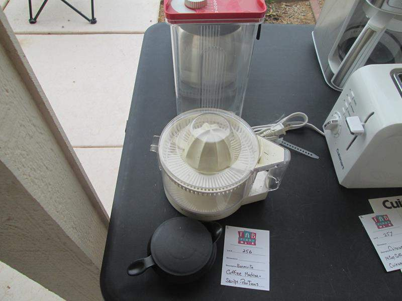 Lot # 256 - Bonavita Coffee Maker, Juicer ++ (main image)