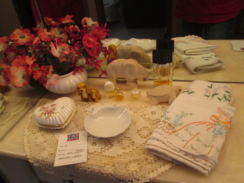 Lot # 5 - Perfume, Trinket Box & Linen (main image)