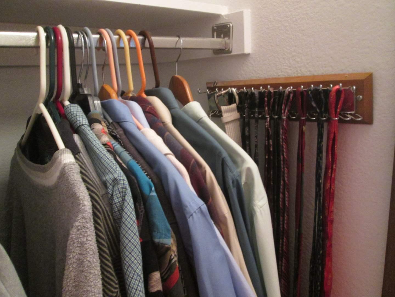 Lot # 9 - Men's Shirts L/XL, Ties & Belts (main image)