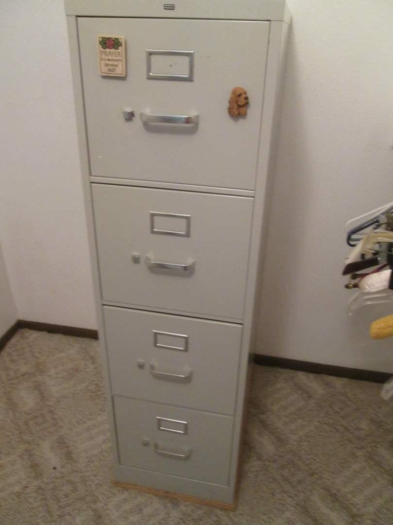 Lot # 30 - 4-Drawer File Cabinet (main image)