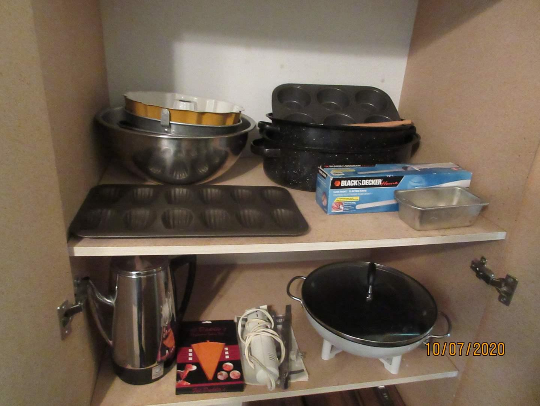 Lot # 97 - Bakeware, Vintage Coffee Pot & Electric Knife, Wok (main image)