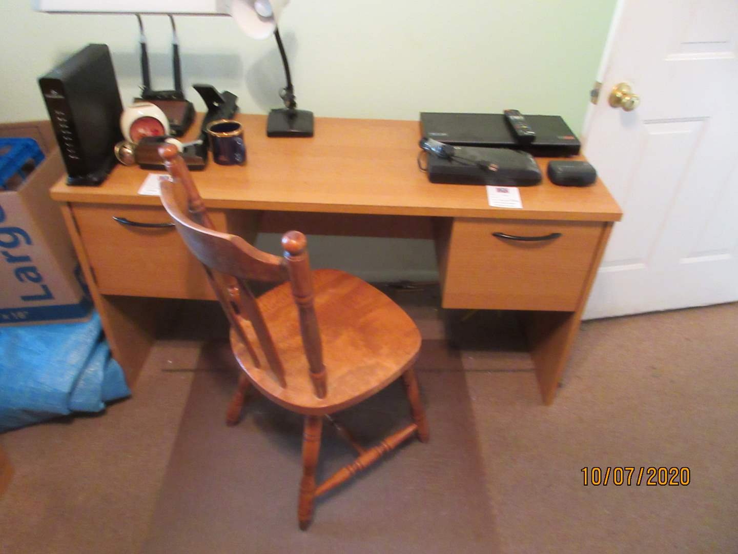 Lot # 103 - Knee-Hole Desk, Chair & Chair Mat (main image)