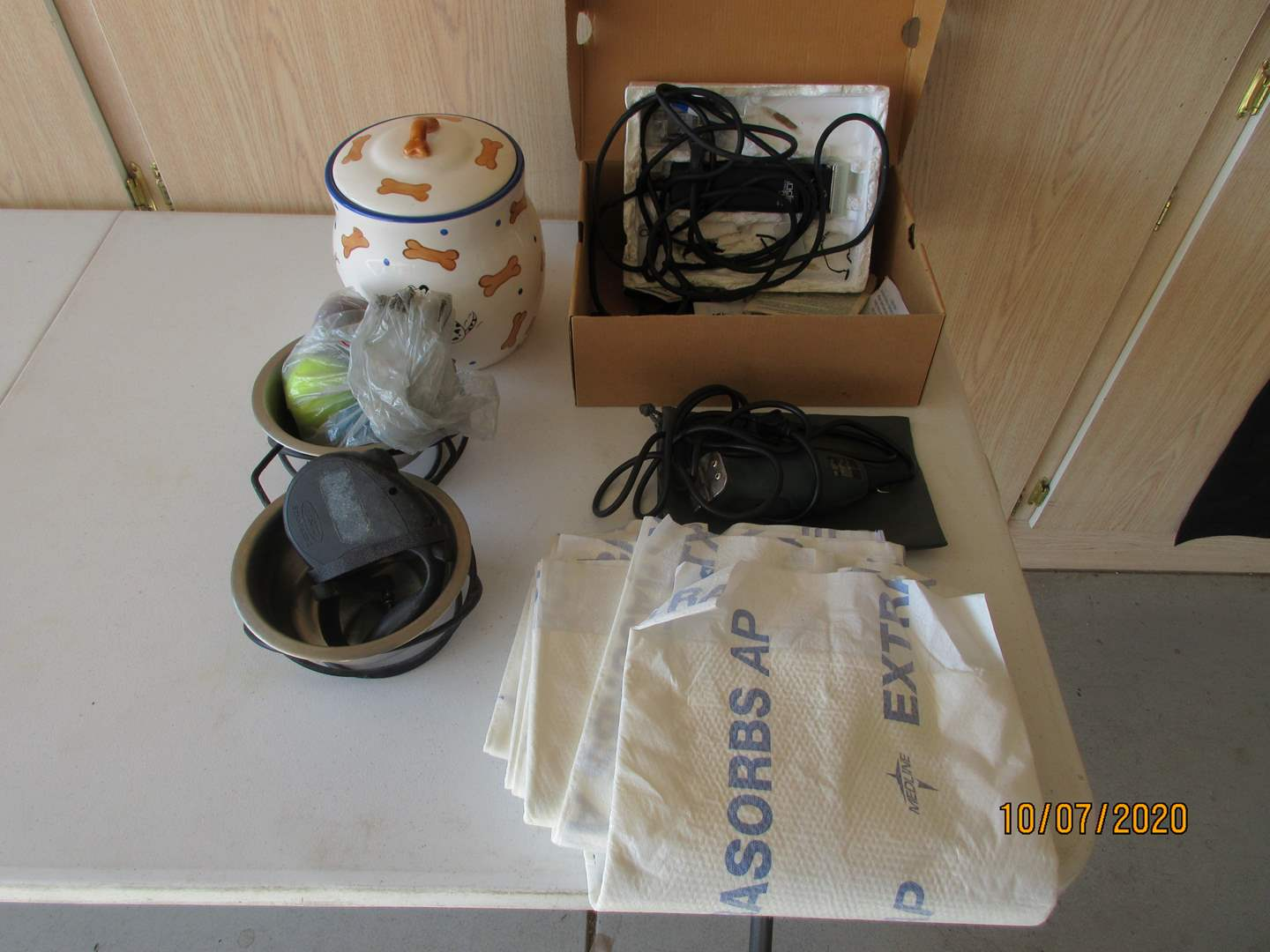 Lot # 121 - Assorted Pet Supplies & 2-Sets of Clippers (main image)