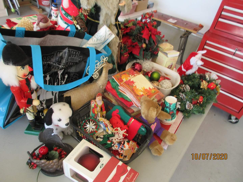 Lot # 135 - Holiday Decor & Wreath (main image)