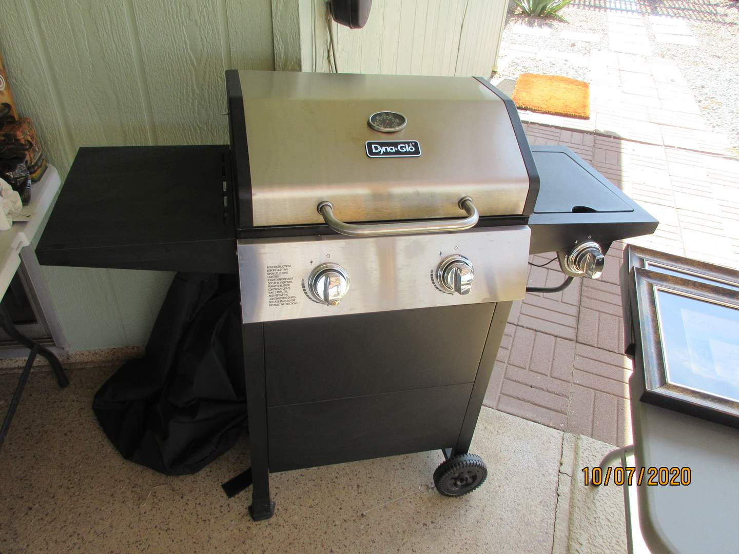 Lot # 174 - Dyna-Glo Grill with Cover (main image)
